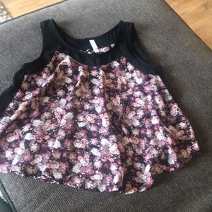 Tops - Tank top black with flower print